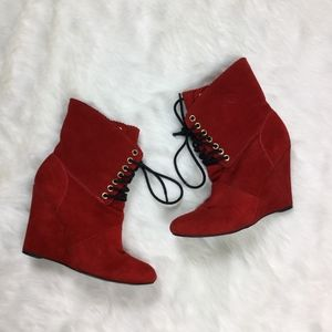 Betsey Johnson Daynaa Heels Red sz. 6